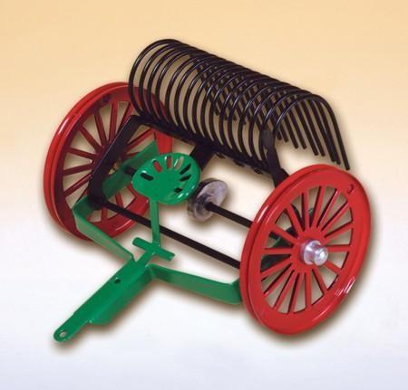 Kovap Blechspielzeug Schlepprechen