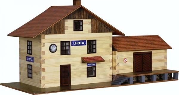 Walachia Holzbausatz großer Bahnhof